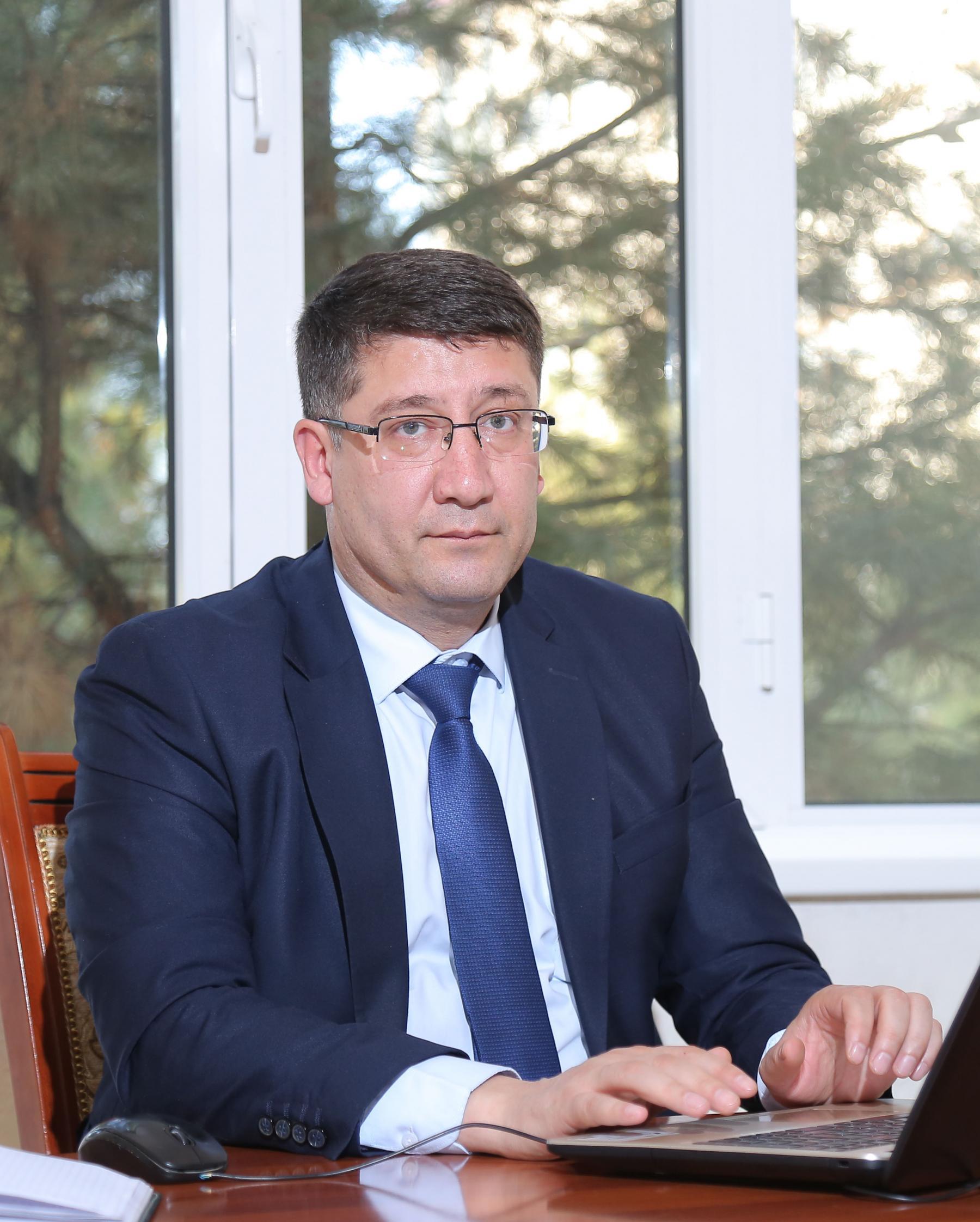 Axatov Akmal Rustamovich
