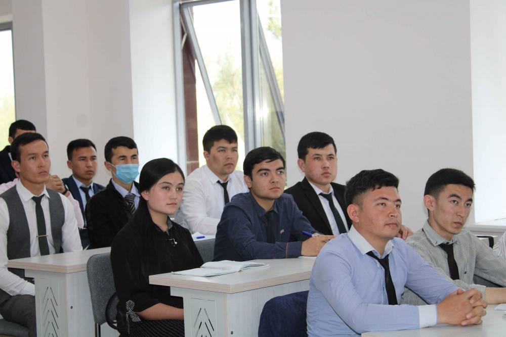 """""""Davr lideri"""" mavzusida seminar bo'lib o'tdi"""